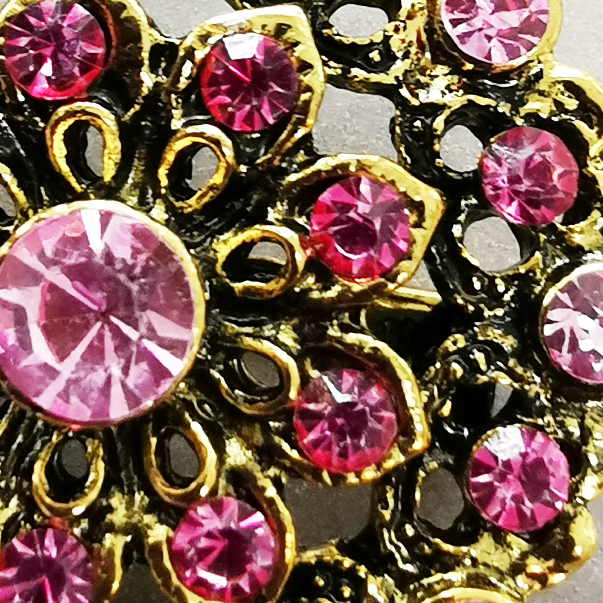 Pink vintage diamante brooch